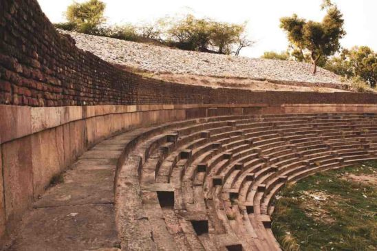 Sahastraling Lake (Patan) Review & History - Best Indian Oldest Lake!